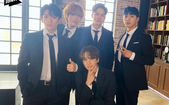 TEEN TOP a To YOu (verzia v oblekoch)