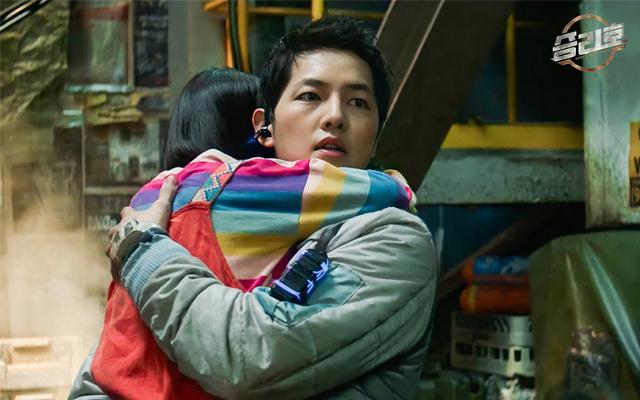 Song Joong Ki vo Space Sweepers