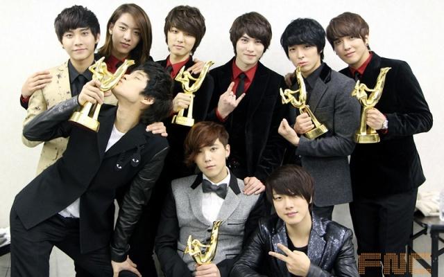 FTISLAND a CNBLUE na Golden Disk Awards 2012