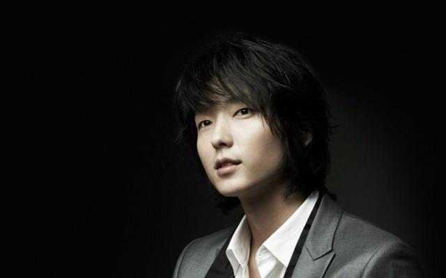 Lee Joon Gi umí chválit druhé herce