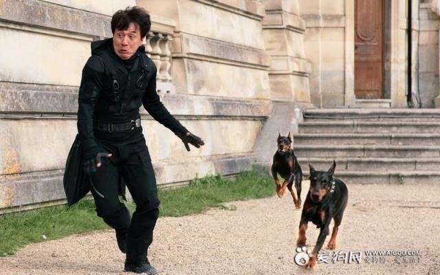Jackie Chan v CZ12