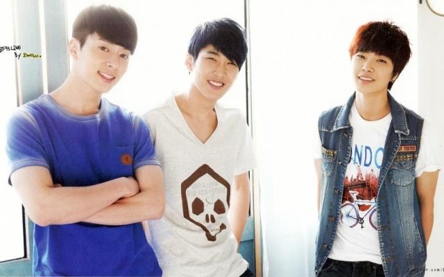 Donghyun, Hyunseong a Jeongmin pro kalendář 2013